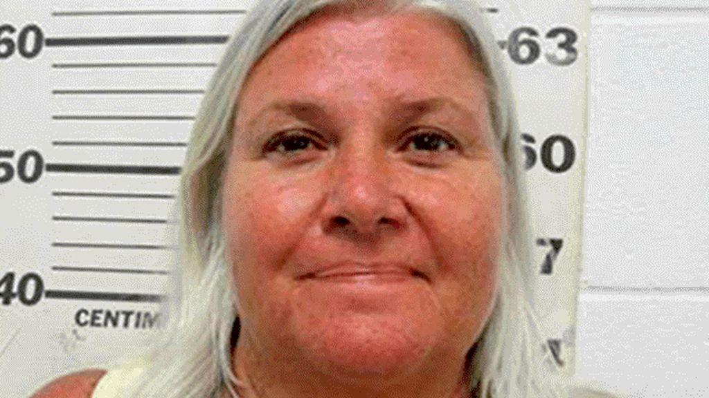 Asesina a su marido, huye y mata a una mujer para suplantar su identidad
