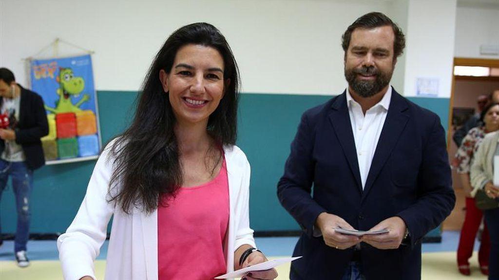 Rocío Monasterio ejerce su derecho a voto