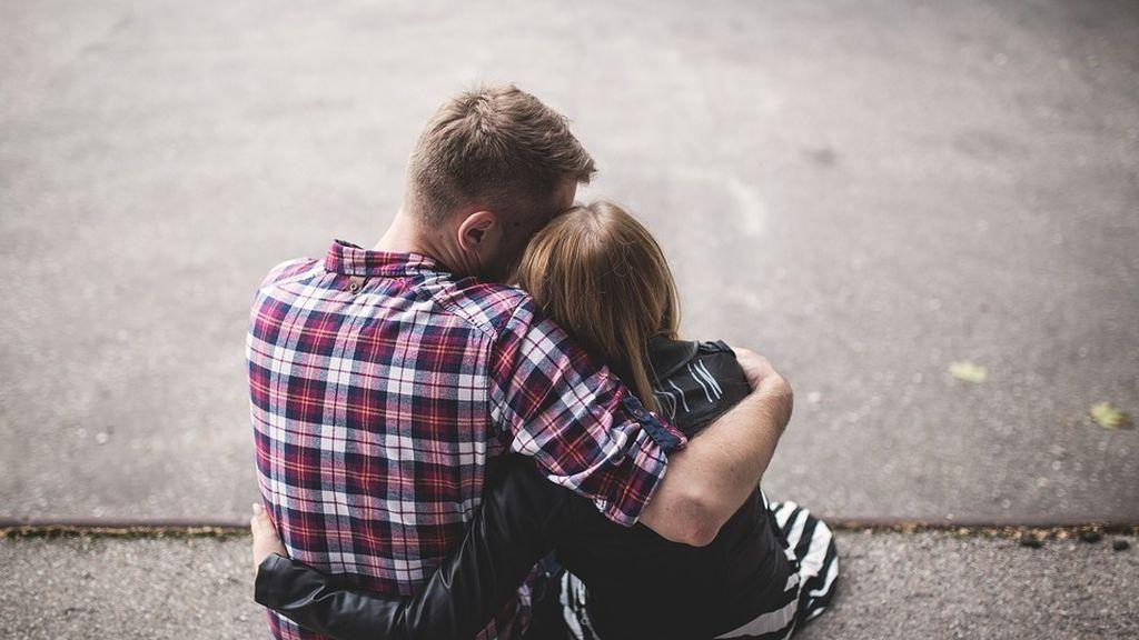 La muerte de un amigo cercano es tan dolorosa como la de un familiar próximo, según un estudio