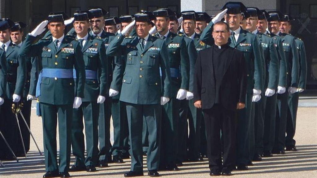 De guardia civil a sacerdote: Un cambio radical a petición divina