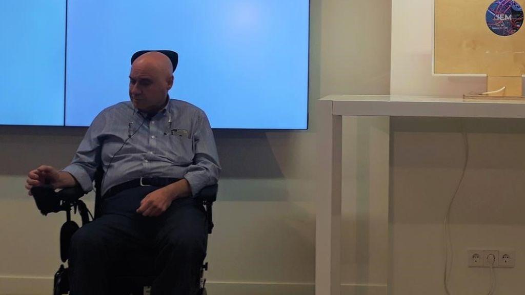 Crean en España el primer ordenador con esclerosis múltiple del mundo para mostrar sus efectos