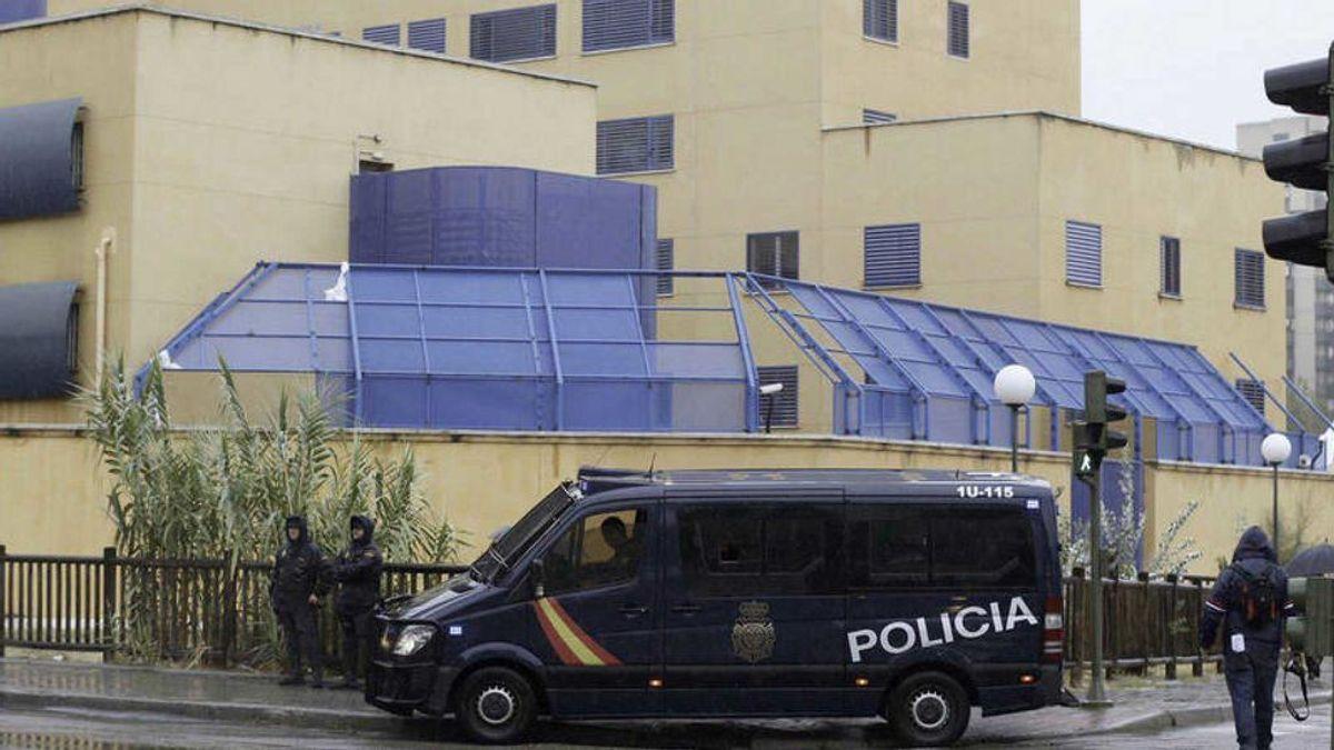 Una juez pide investigar a policías del CIE de Aluche (Madrid) por torturas a internos