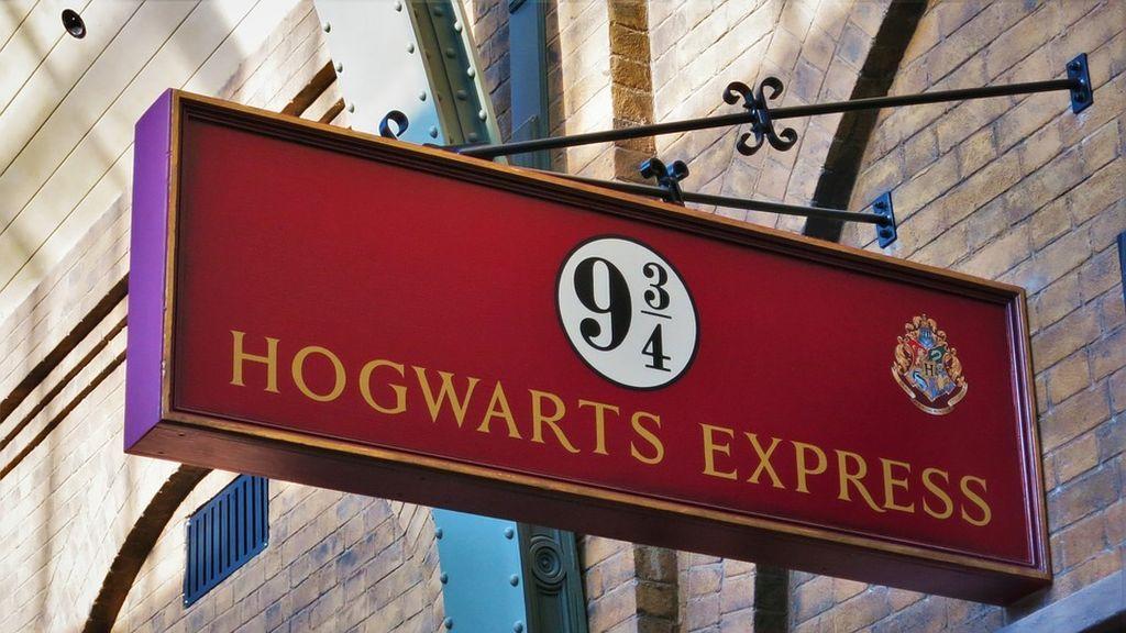 La escritora J.K Rowling recupera la saga de Harry Potter a través de cuatro nuevos libros electrónicos