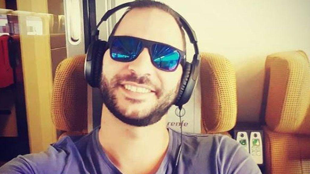 """Antonio Tejado sorprende con su faceta musical más desconocida: """"Noches de creación"""""""