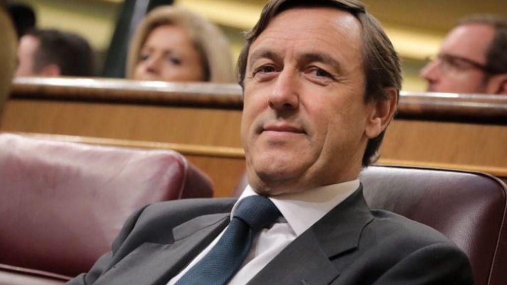 """""""Urge una querella criminal contra Tezanos por malversación en el CIS"""": la reacción de Hernando al sorpasso"""