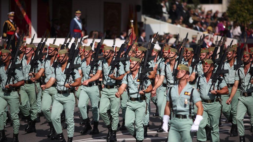 Un Tribunal Militar ratifica la sanción a una legionaria que no acudió a un desfile para cuidar de su hija de 18 meses