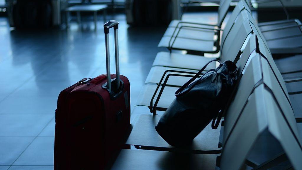 airport-519020_960_720