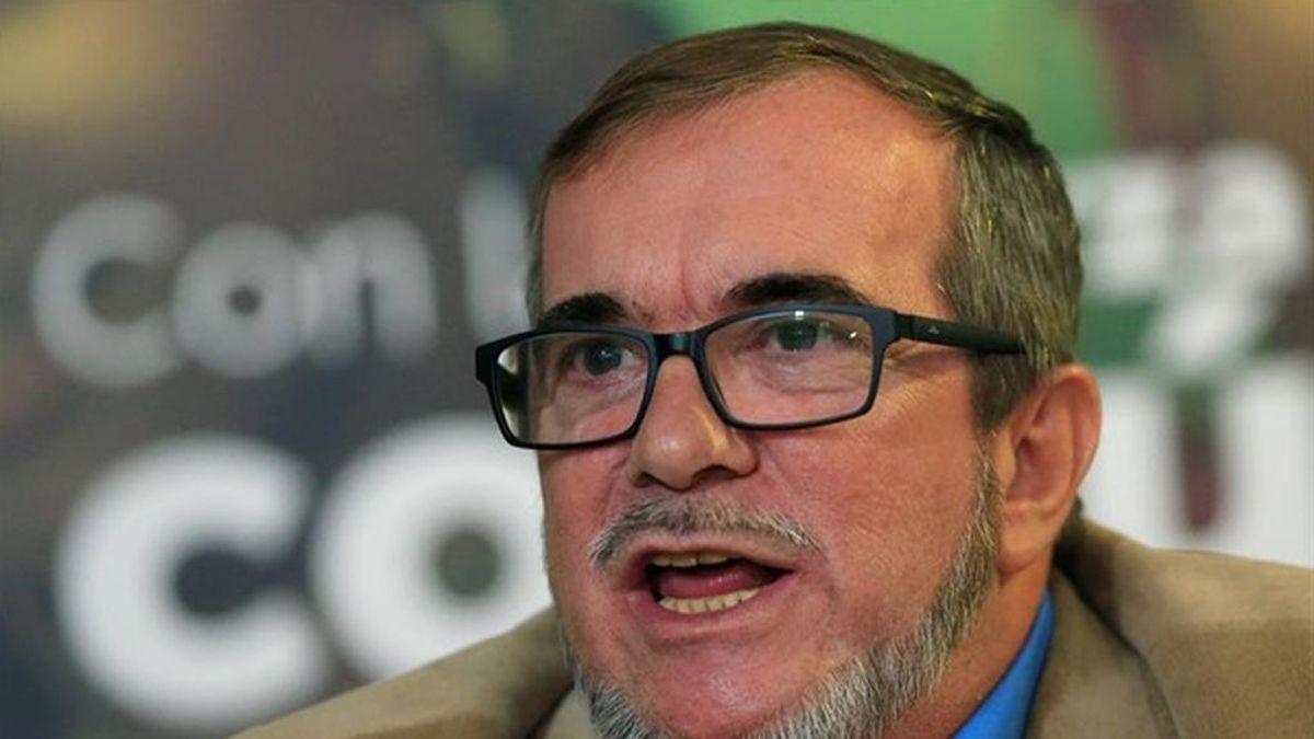 """'Timochenko' pide perdón por el uso de una camiseta de ETA: """"las únicas banderas de las FARC son las de la paz y reconciliación"""""""