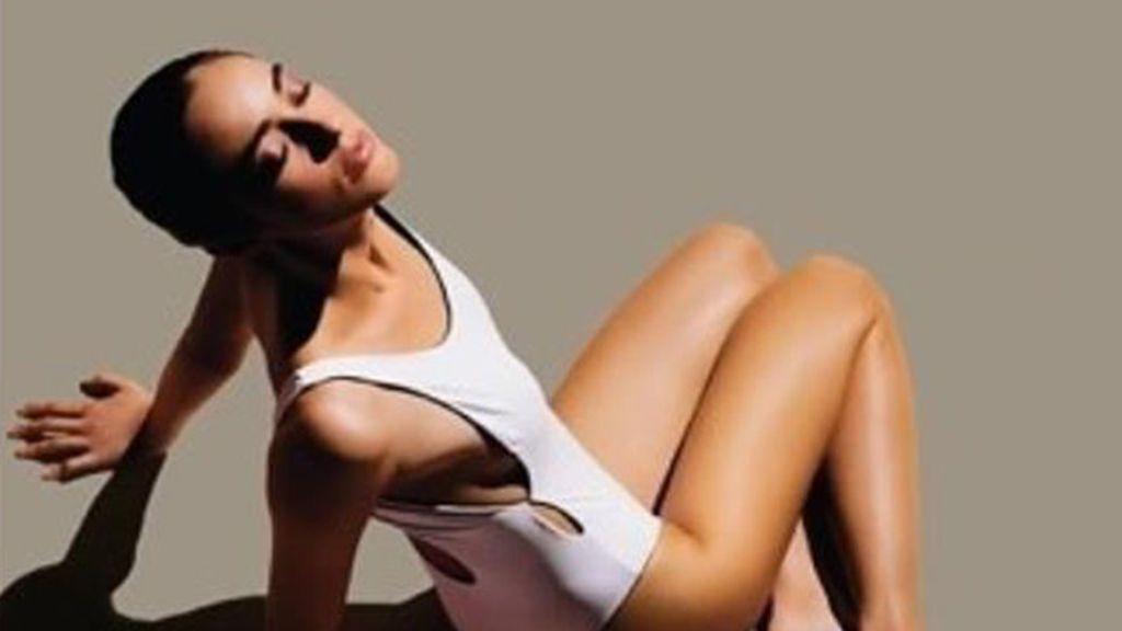 Ni crema, ni aceite: lo nuevo para proteger tu piel es el 'agua solar'