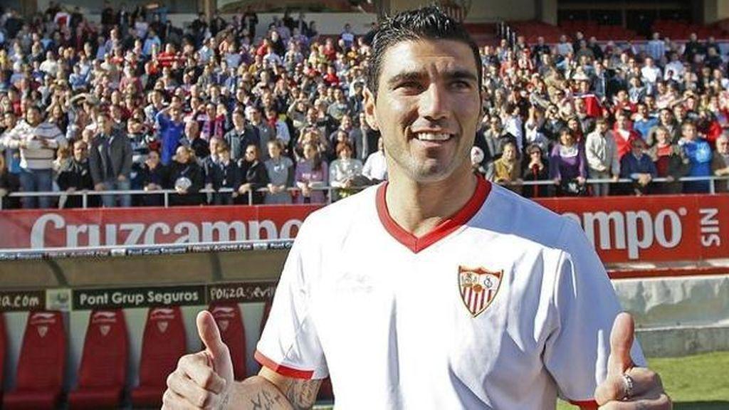 Los aficionados recuerdan los mejores goles de José Antonio Reyes