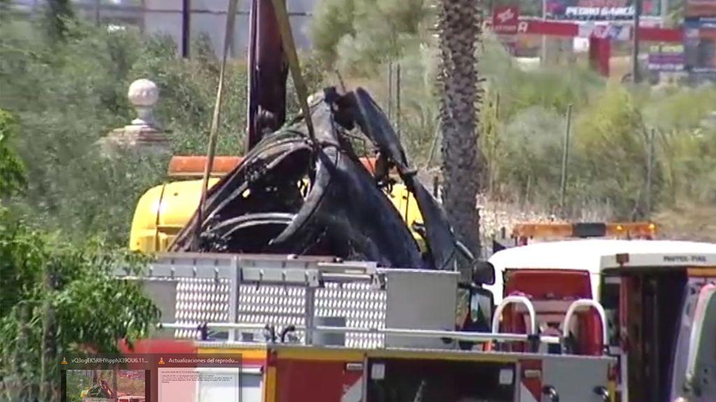Retiran del lugar el accidente, el coche en el que circulaban Reyes