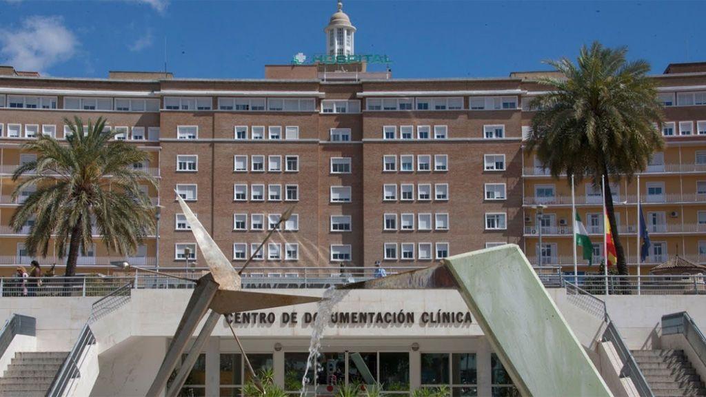 Detenido en Sevilla por el apuñalamiento de su mujer, trasladada al Virgen del Rocío