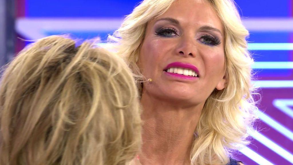 Yola Berrocal presume de dientes nuevos