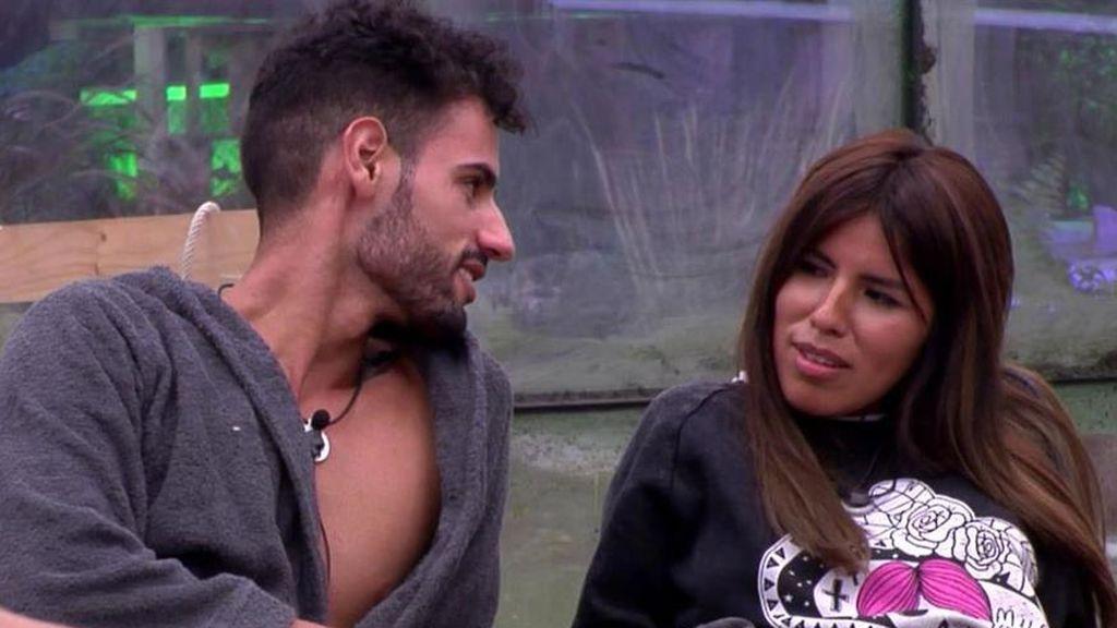 """Asraf desconfía de Isa Pantoja: """"Piensa que está provocándole para dejarle y volver con Omar"""""""