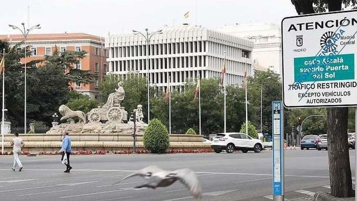 """La contaminación cae a """"niveles históricos"""" y sin atisbo de """"efecto frontera"""" por Madrid Central"""