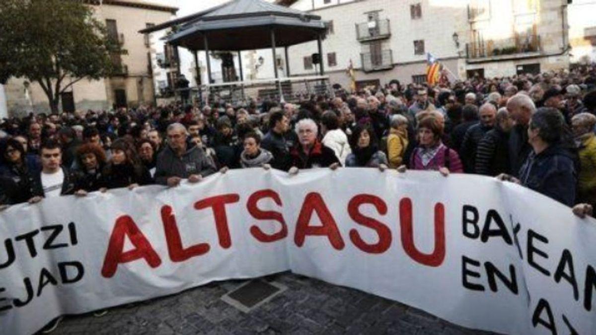 La fiscalía renuncia a calificar de terroristas a los agresores de Alsasua