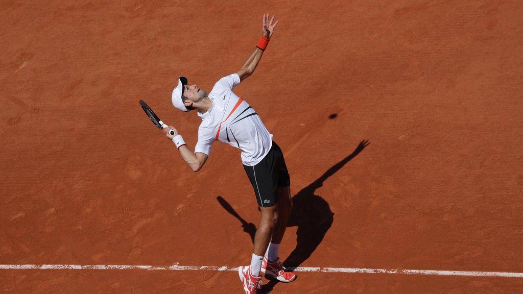 Djokovic ya está en cuartos sin ceder ningún set y el japonés Nishikori será el rival de Nadal