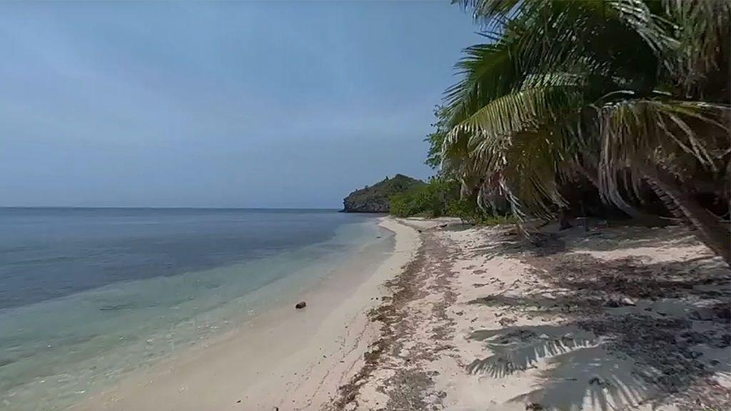 Paseo en 360º: siéntete un auténtico superviviente 'Abandonado' y adéntrate en la playa 'Cabeza de León'
