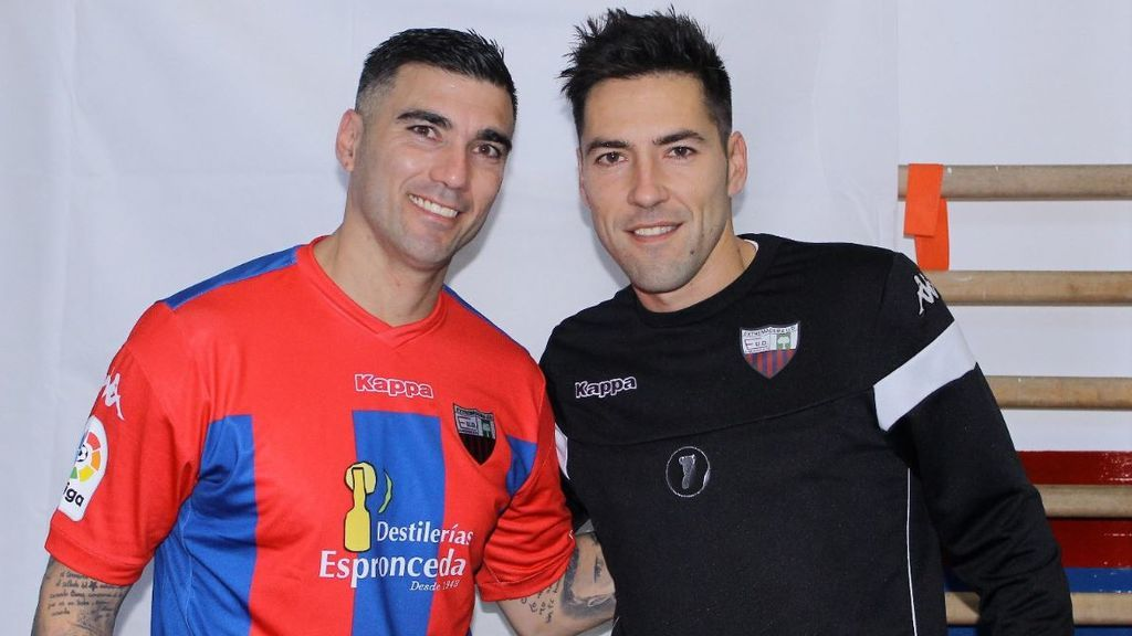 """Carlos Valverde, compañero de Reyes en el Extremadura: """"Es un momento muy duro. El equipo está hundido"""""""