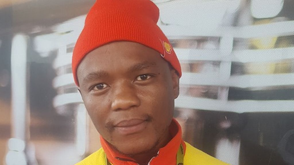 La emotiva y solidaria historia de un humilde gasolinero sudafricano