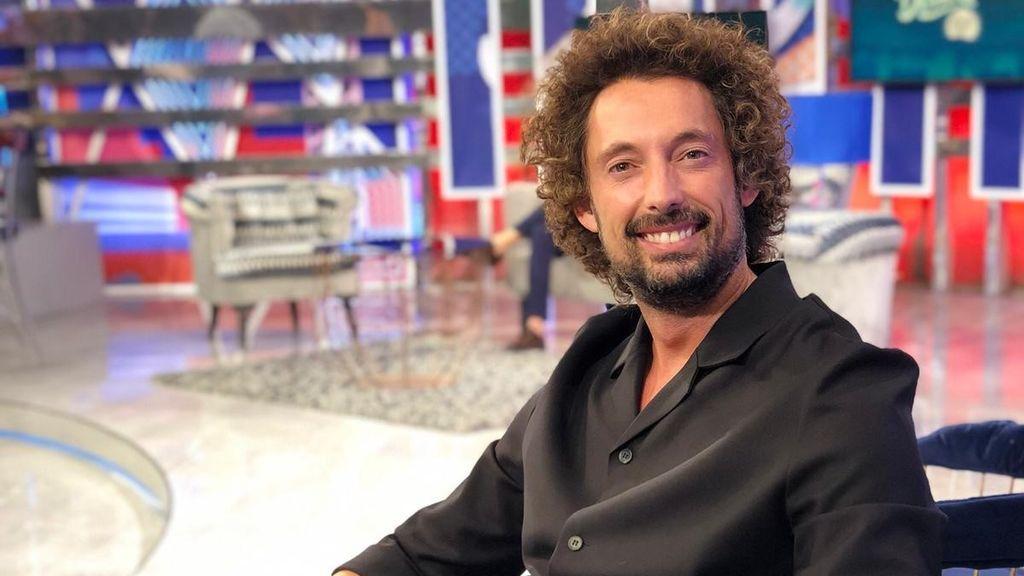"""José Antonio León da el salto a la música: """"Paz y Terelu son mis fans más entregadas en 'Sálvame', me han demostrado que la amistad en el medio es real"""""""