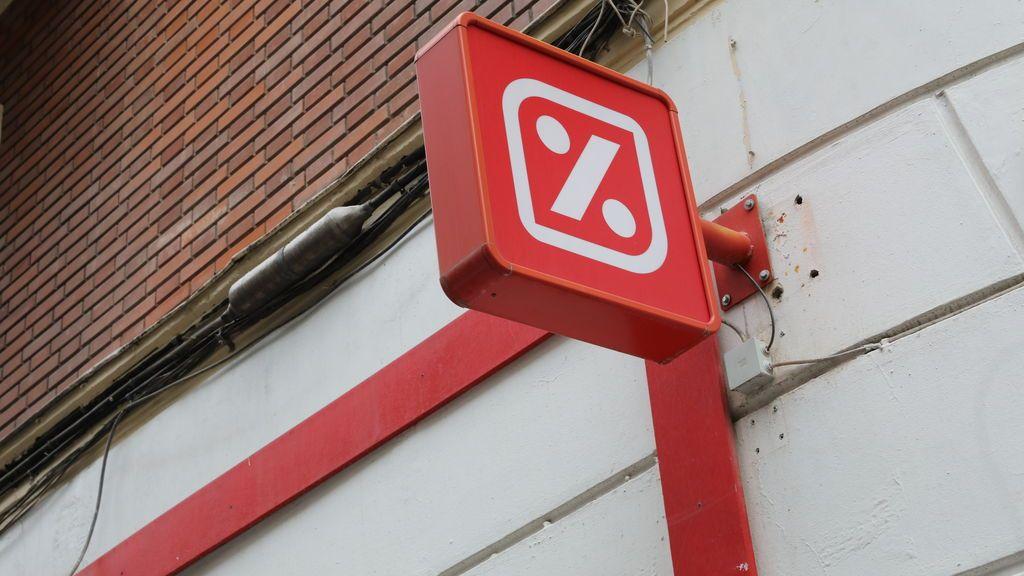 EuropaPress_2123486_Anuncio_en_la_calle_de_la_presencia_de_un_supermercado_DIA_