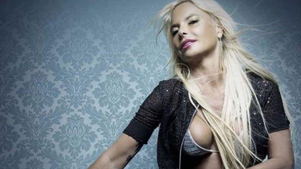 """Leticia Sabater presenta orgullosa su controvertido '18 centímetros papi': """"La letra está escrita por mí"""""""