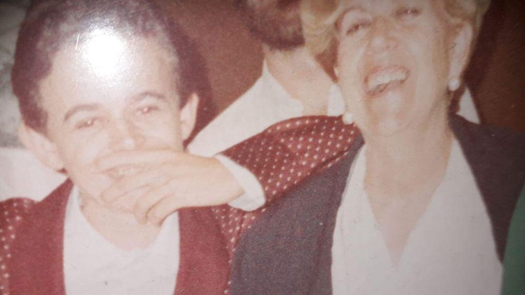 Juan Pedro con su madre