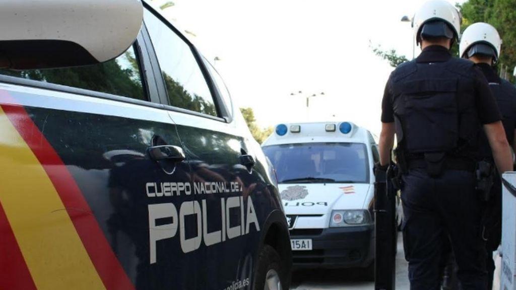 Una adolescente descubre el cadáver de su madre, asesinada presuntamente por su pareja en Canarias