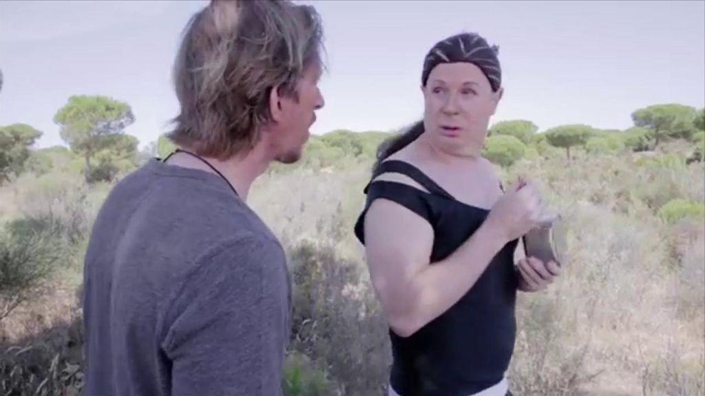 Los Morancos imitan a Pantoja en la isla con el vídeo 'Resistiré'