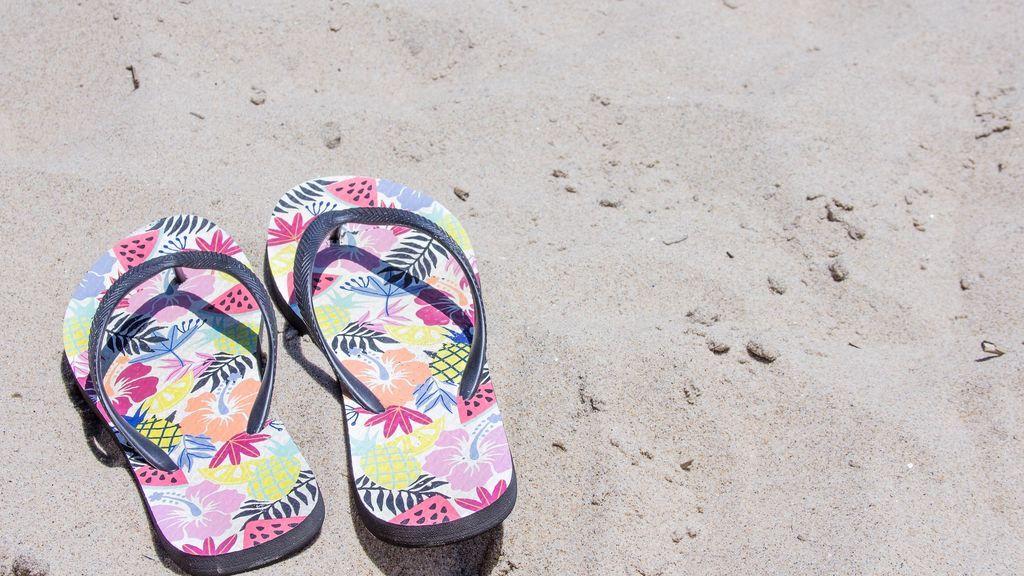 sandals-2452735_1920