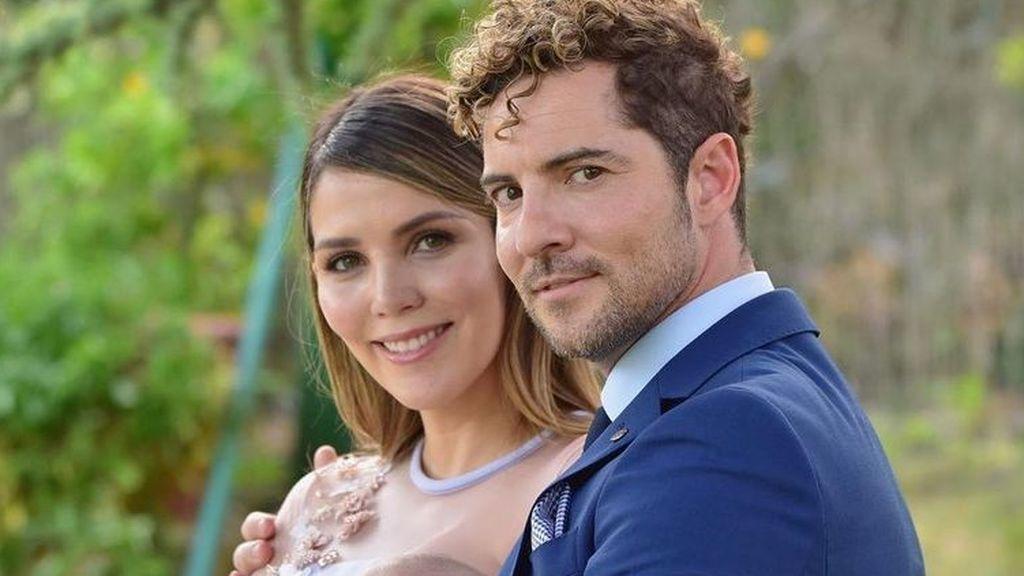 David Bisbal y Rosanna Zanetti comparten fotos del bautizo de su hijo Matteo