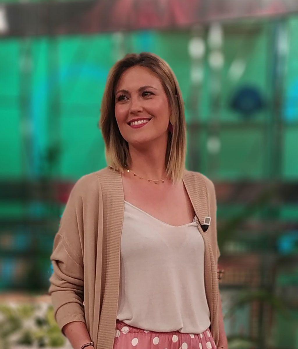 Conoce a la presentadora de 'AYUDA-TE, cambia tu vida': ella es Cristina Soria