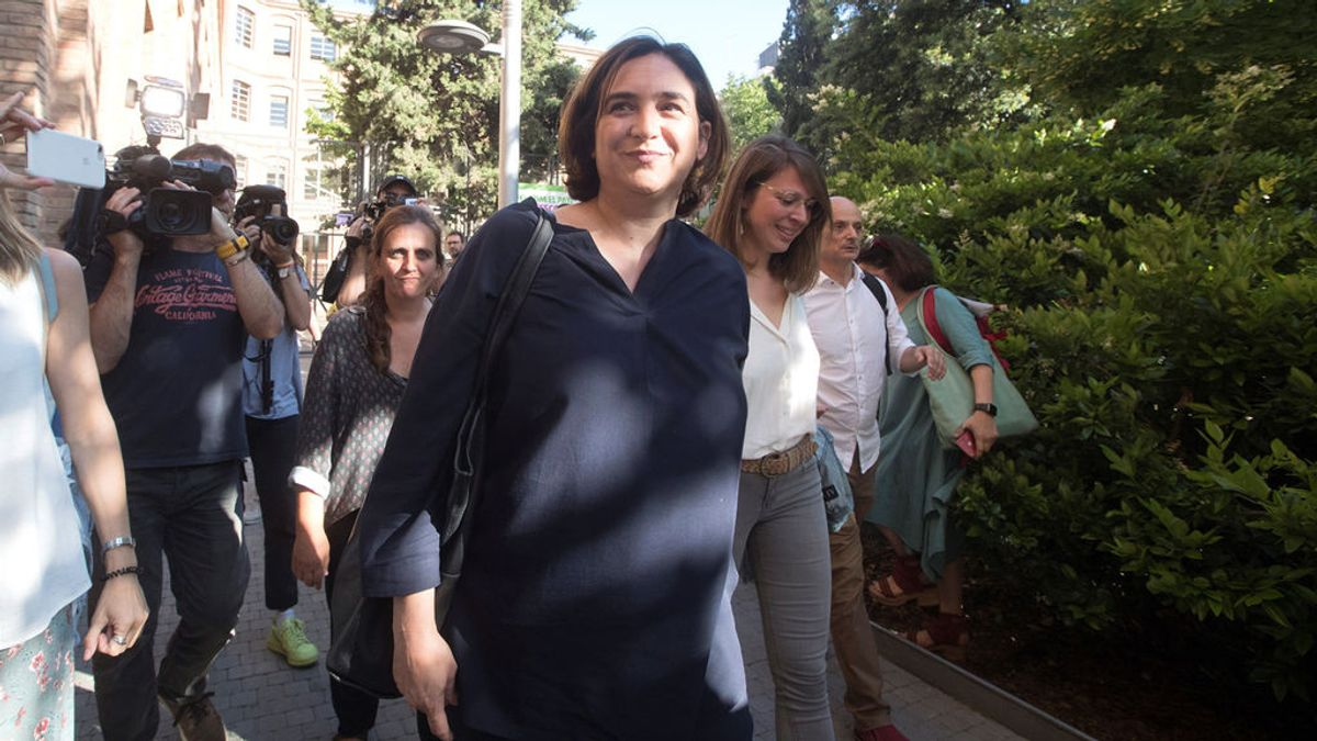 Las bases de Barcelona en Comú avalan que Colau siga aspirando a la alcaldía