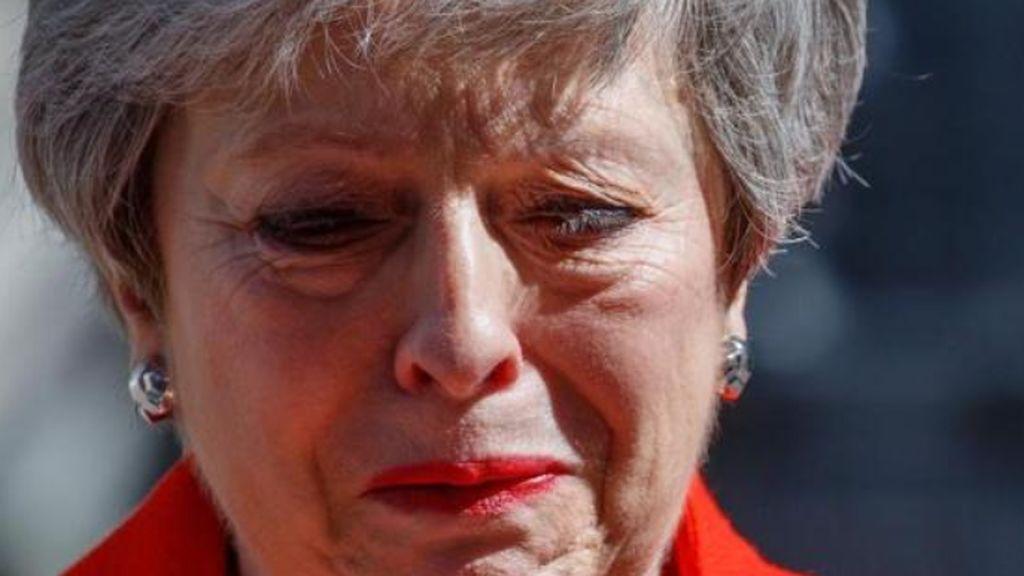 Theresa May dimite arrasada por el Brexit y deja un partido conservador en guerra