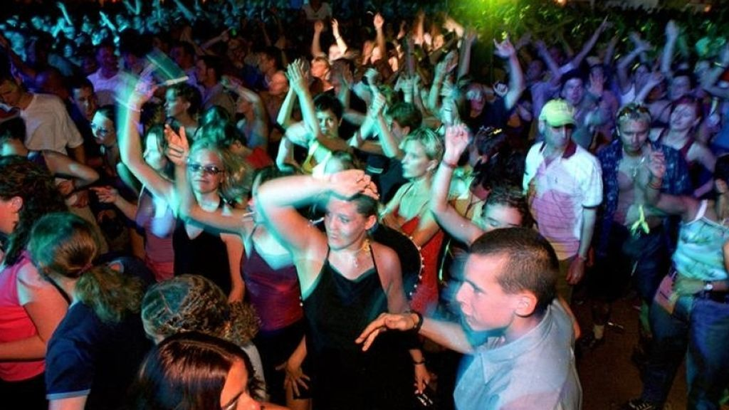 Una joven de 18 años violada en un club nocturno de Venecia por un menor de 14