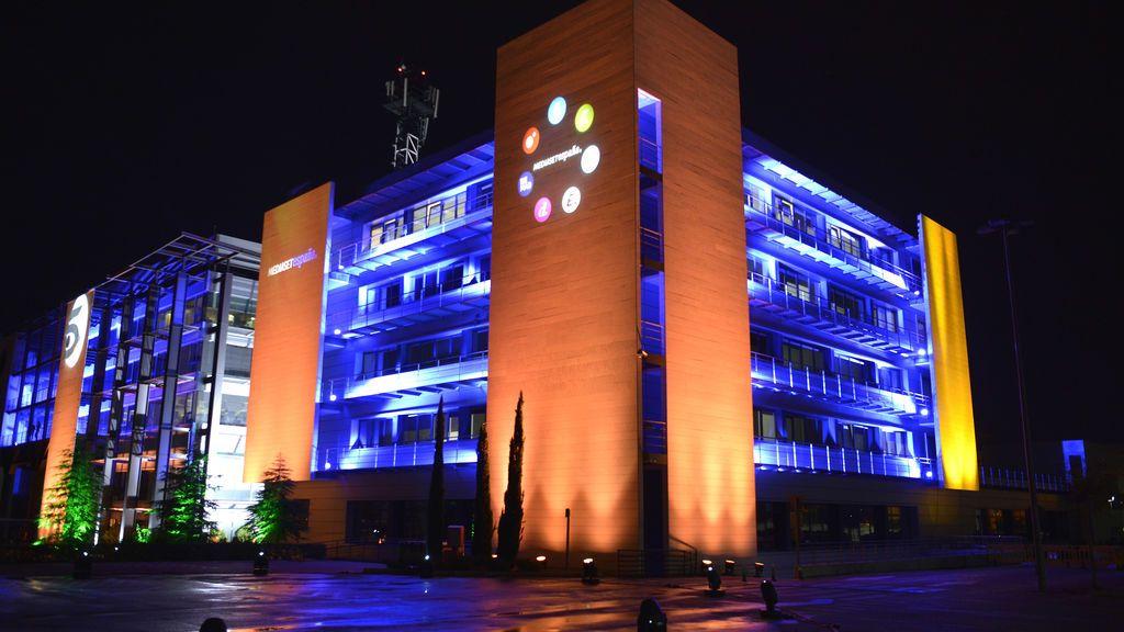 Nace MFE-MEDIAFOREUROPE NV, de la unión de Mediaset Spa y Mediaset España, para crear un gigante europeo de la comunicación y el entretenimiento