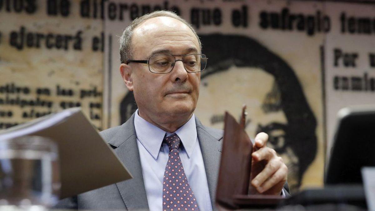 """El exgobernador del Banco de España califica de """"disparate absoluto y monumental"""" la renta básica universal"""