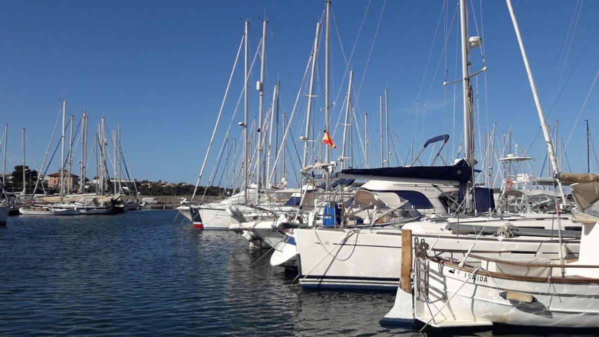 Hallan el cuerpo sin vida de un hombre en una piragua volteada en Mallorca