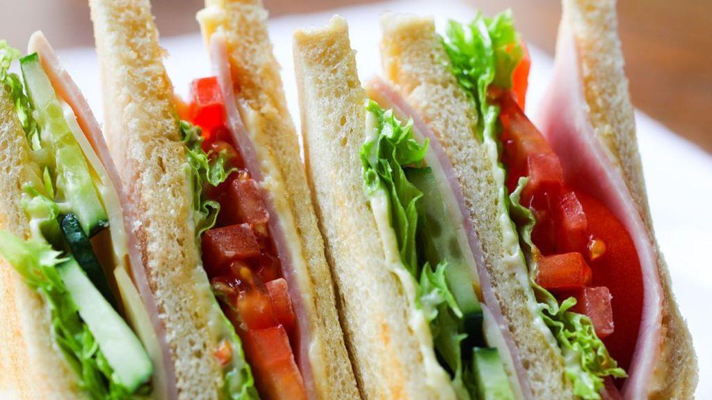 Tres pacientes de un hospital mueren a causa de los sándwiches preenvasados