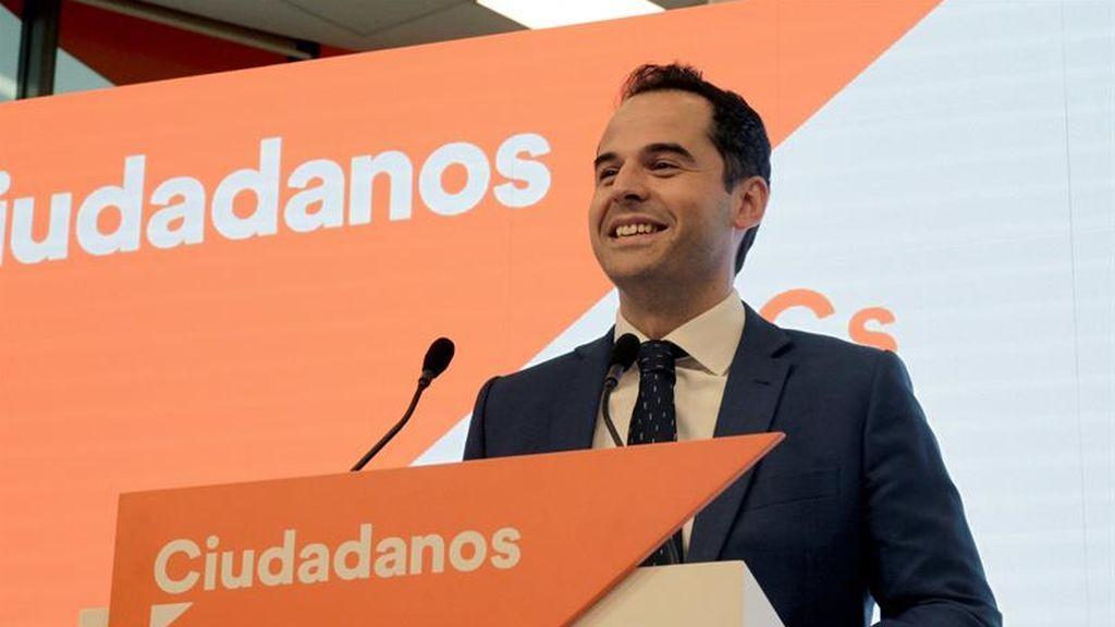 Ciudadanos levanta el veto a Vox en Madrid y sus líderes se conocen en una reunión
