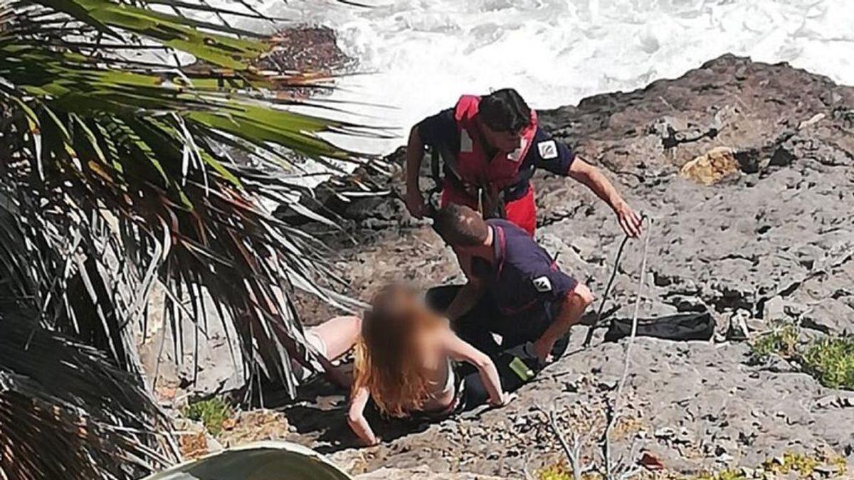Rescatan a 5 jóvenes un un mismo día de una cala de Oropesa