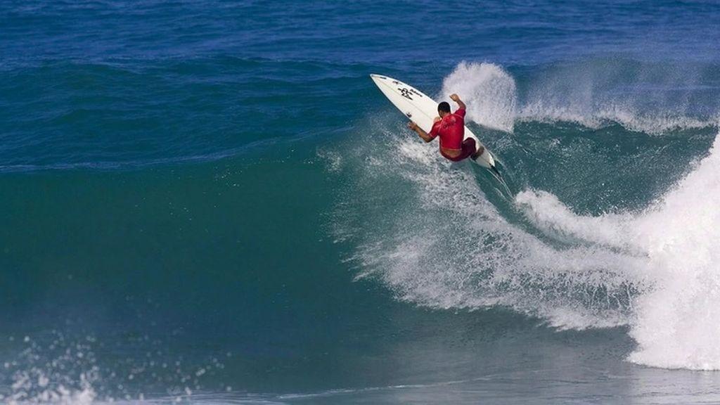 Muere un hombre cuando practicaba surf en una playa de Vejer de la Frontera (Cádiz)