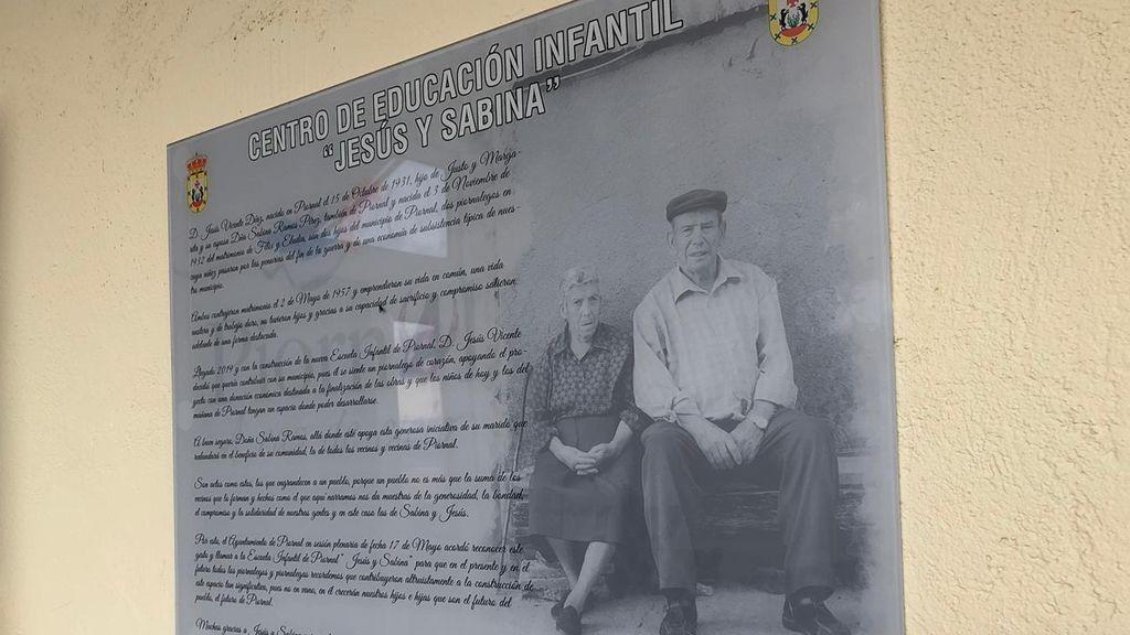 """Cartel de la guardería """"Jesús y Sabina"""""""