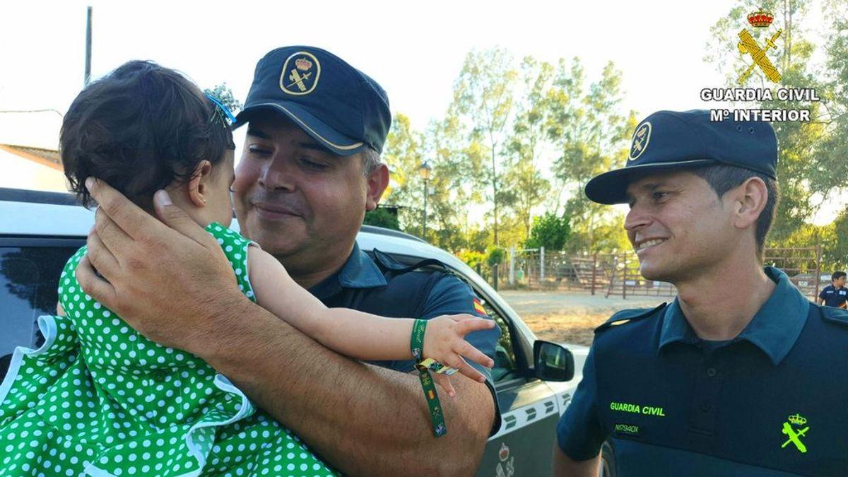 La Guardia Civil salva a una niña de morir asfixiada al practicarle la maniobra de Heimlich