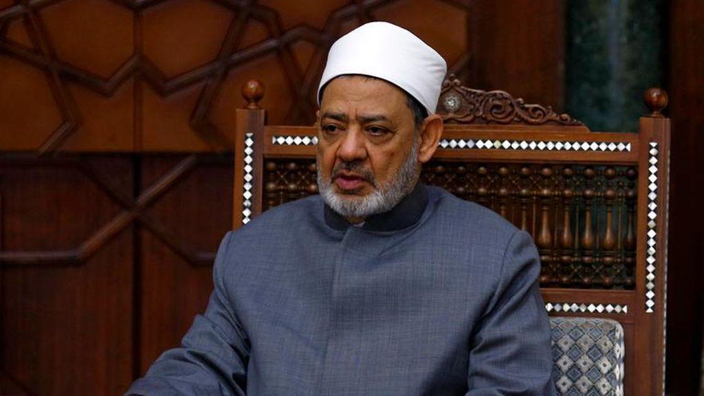 """El imán de Al Azhar aprueba que se pueda golpear a las mujeres pero """"sin romperles ningún hueso"""""""