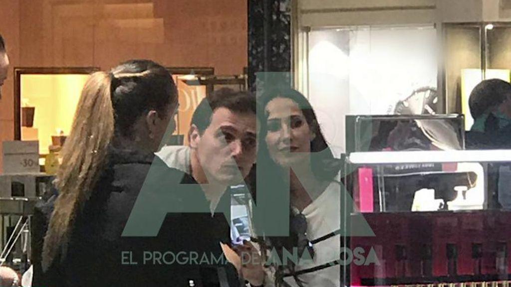 Malú y Albert Rivera, juntos: la secuencia completa de las fotos