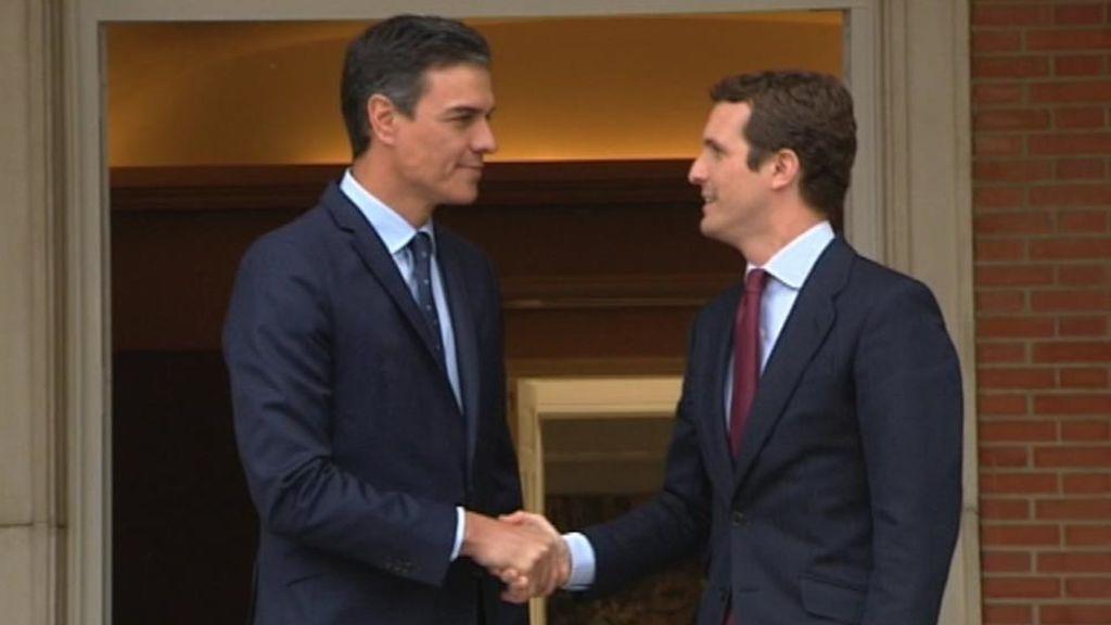 Sánchez y Casado en Moncloa