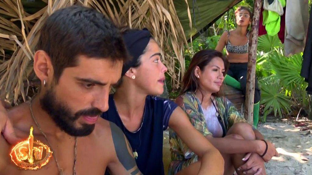 Un comentario de Miriam Saavedra enfrenta a Violeta y Dakota