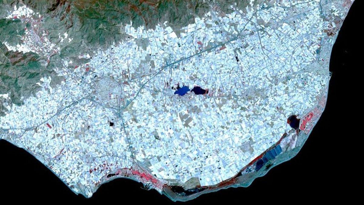 El 'mar de plástico de Almería' entre las imágenes liberadas por la NASA